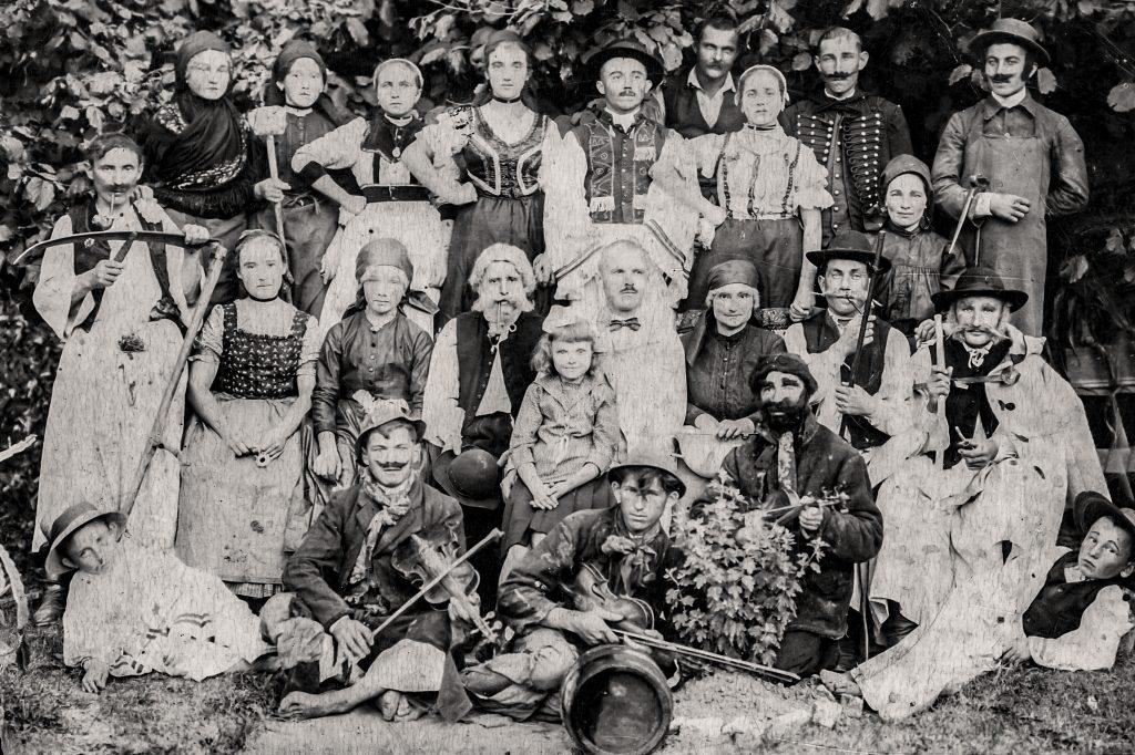 Göllei amatőr színjátszó társulat A Bor című előadása (1921-23)